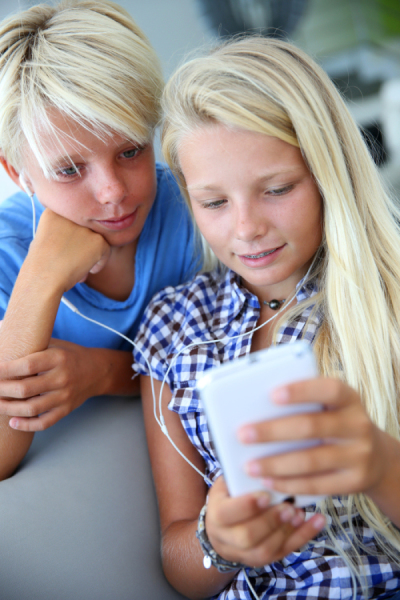 What is the Appropriate Age for a Child to Have a Cell Phone?
