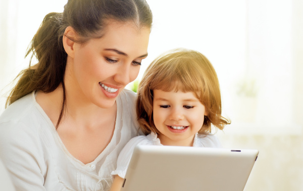 """Mobile Phone Safety for Your Kids – Tell them, """"Know Your Risks!"""""""